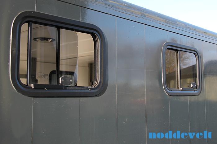 schuifraam paardenvrachtwagen 450x300
